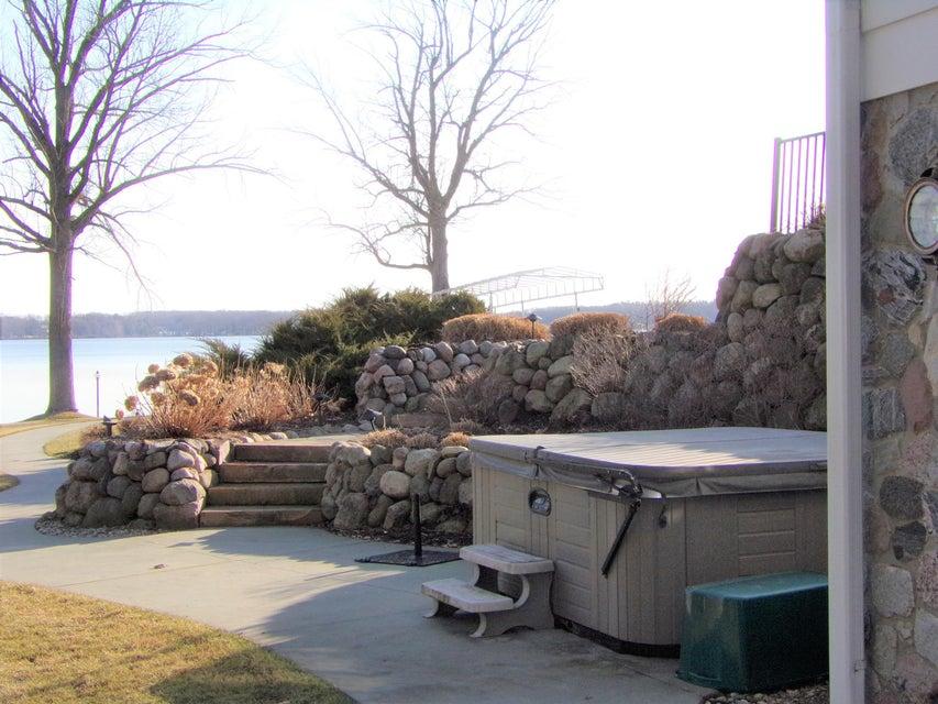 9550 W Gull Lake Drive