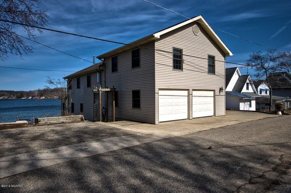 15054 Birch Lakeshore Drive