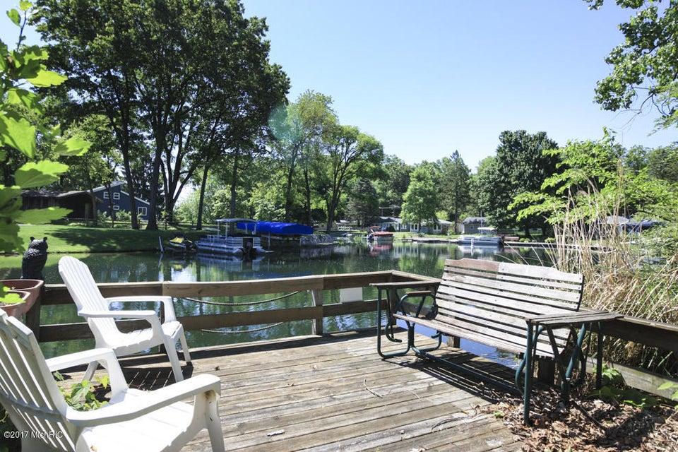 92893 Gravel Lake , Lawton, MI 49065 Photo 2