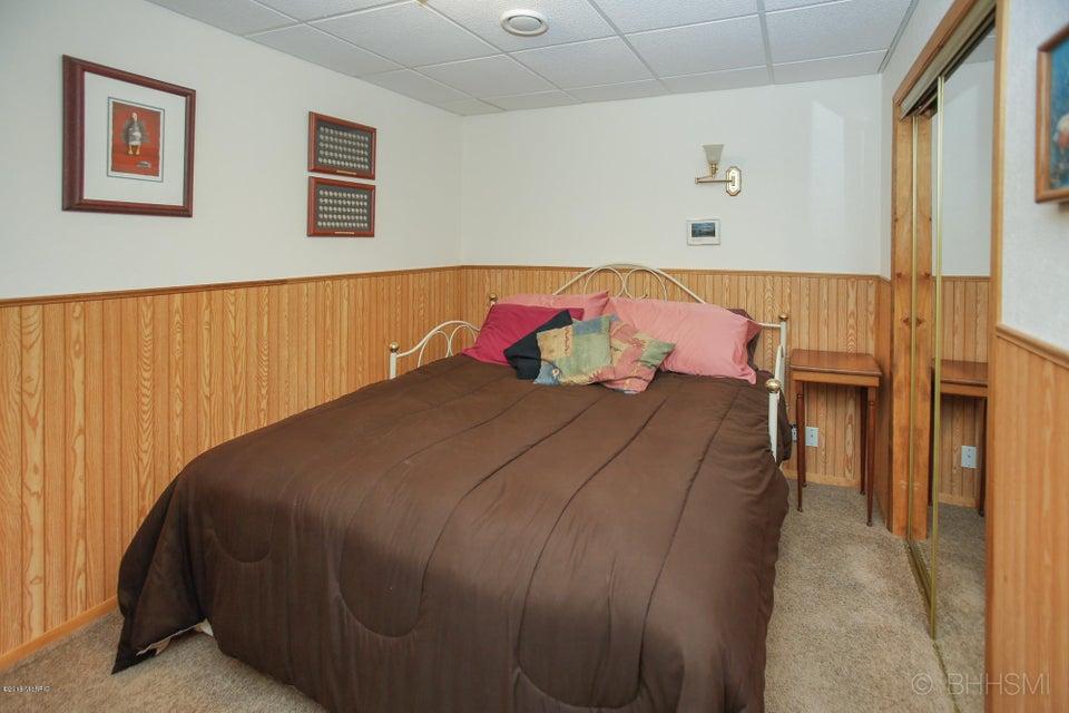 92860 Gravel Lake , Lawton, MI 49065 Photo 22