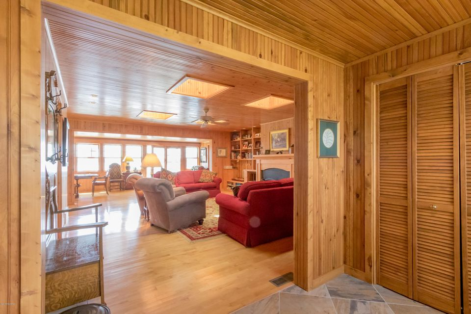 11143 Hastings Point , Middleville, MI 49333 Photo 8