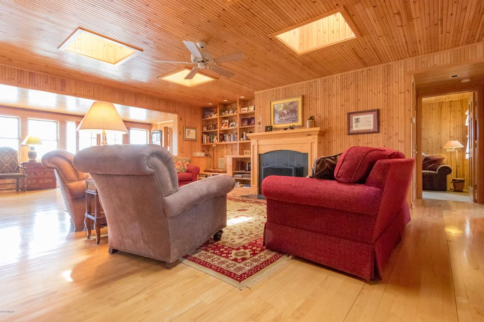 11143 Hastings Point , Middleville, MI 49333 Photo 9