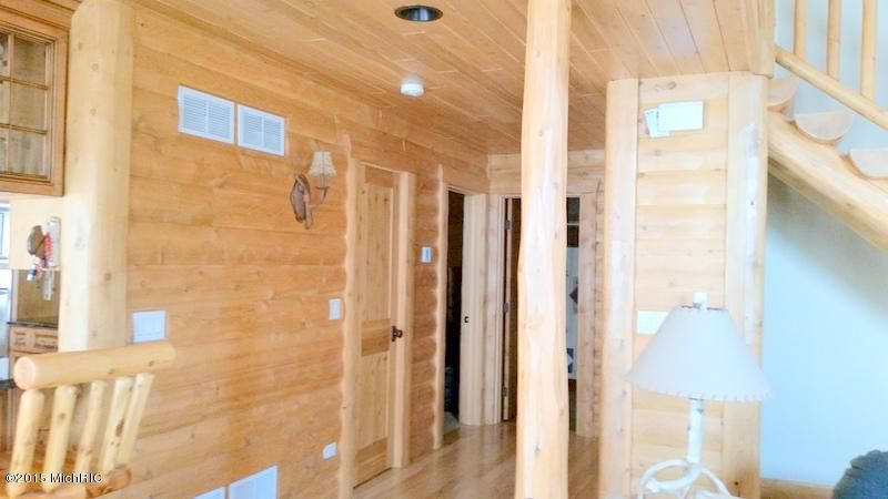 55921 Inn-D-Inn , Dowagiac, MI 49047 Photo 11
