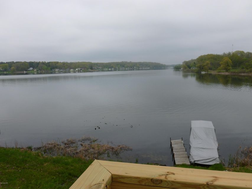 5350 W Guernsey Lake , Delton, MI 49046 Photo 3