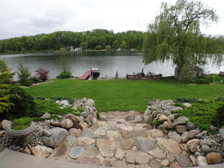 4681 Lakefront , Delton, MI 49046 Photo 24