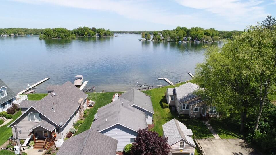50443 W Lakeshore , Dowagiac, MI 49047 Photo 3