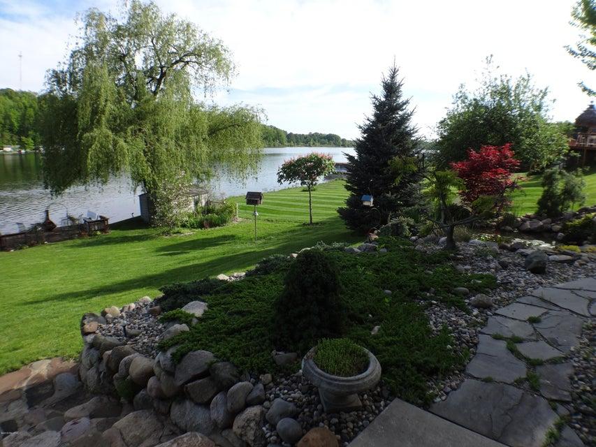 4681 Lakefront , Delton, MI 49046 Photo 25