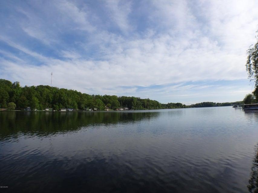 4681 Lakefront , Delton, MI 49046 Photo 2