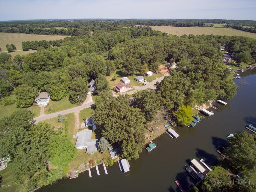 92860 Gravel Lake , Lawton, MI 49065 Photo 2