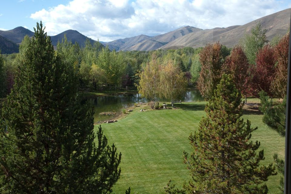 Additional photo for property listing at 3671 ButterCup Rd 3671 ButterCup Rd Hailey, Idaho,83333 États-Unis