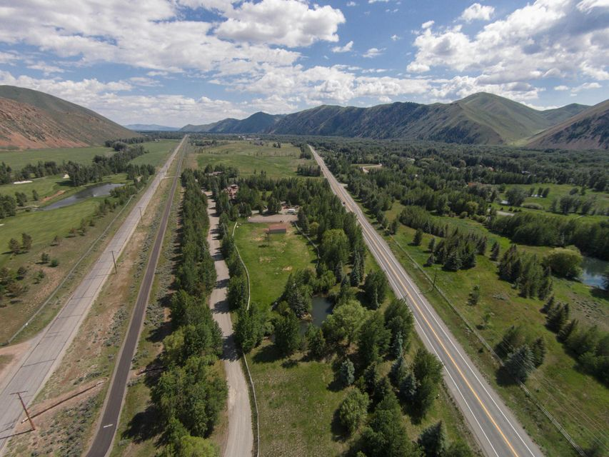 Additional photo for property listing at 3671 ButterCup Rd 3671 ButterCup Rd Hailey, Idaho,83333 Stati Uniti