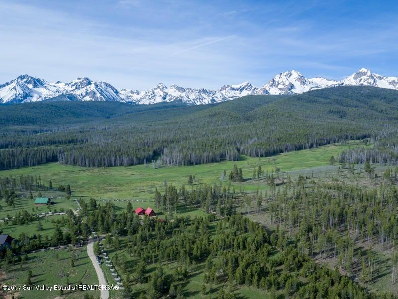 Additional photo for property listing at 300 Homestead Lane 300 Homestead Lane Stanley, Idaho,83278 États-Unis