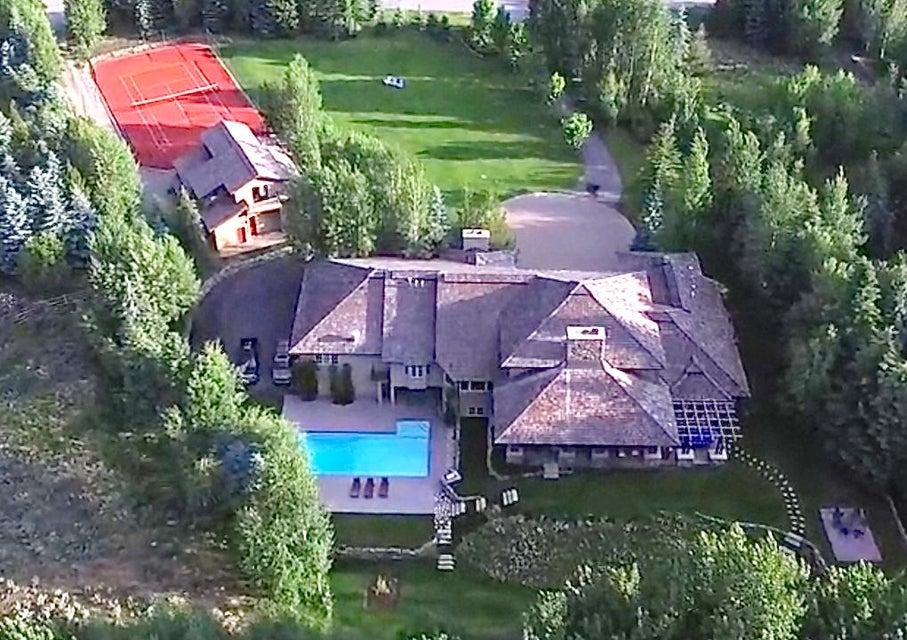 Casa para uma família para Venda às 301 Canyon Rd 301 Canyon Rd Ketchum, Idaho,83340 Estados Unidos