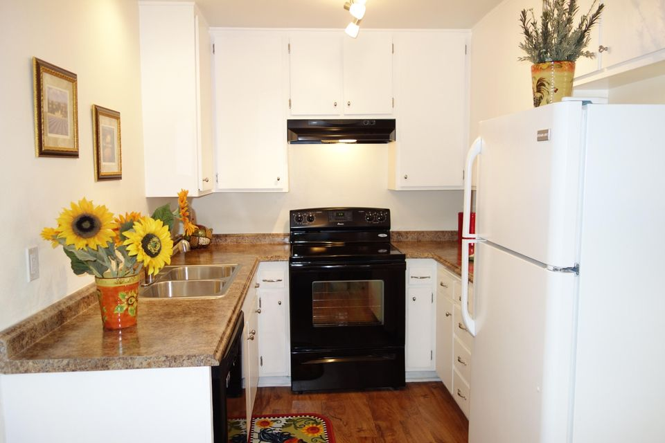 Property photo for 49 Dearborn Pl #16 Goleta, California 93117 - 15-63