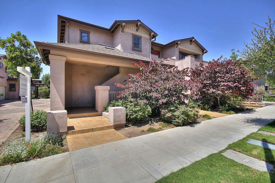 Property photo for 2117 Castillo St #D Santa Barbara, California 93105 - 15-2071