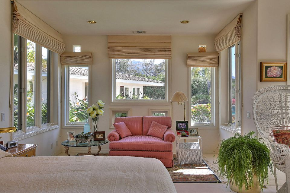 Additional photo for property listing at 1018 Via Los Padres  Santa Barbara, California,93111 United States
