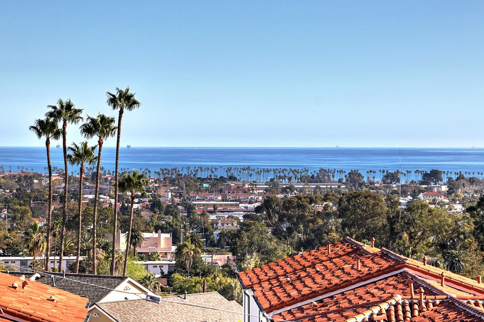 Property photo for 555 E Arrellaga St #2 Santa Barbara, California 93103 - 17-327