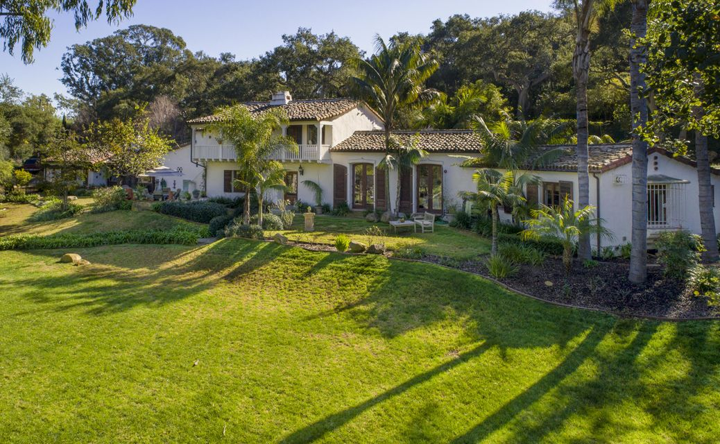 Single Family Home for Sale at 4005 Lago Dr Santa Barbara, California,93110 United States