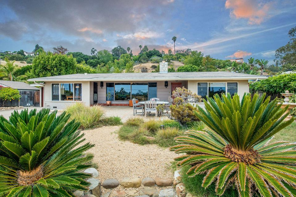 Photo of 525 Scenic Dr, SANTA BARBARA, CA 93103