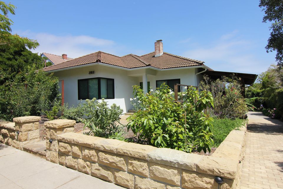 Property photo for 218 E Valerio St Santa Barbara, California 93101 - 17-1796
