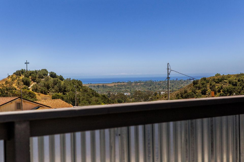 Property photo for 4449 La Paloma Ave Santa Barbara, California 93105 - 17-2210