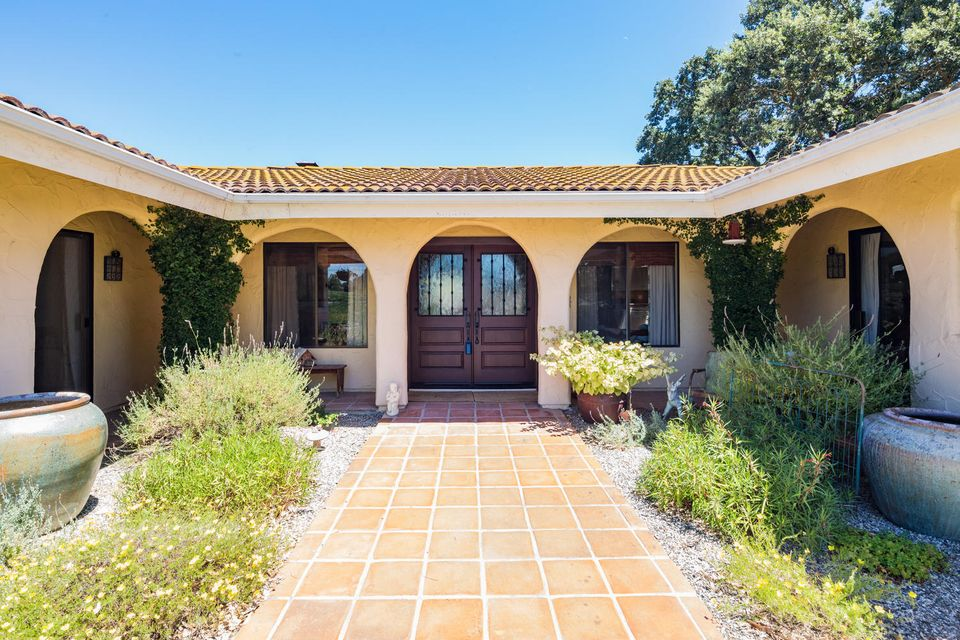 Additional photo for property listing at 1440 Calzada Ave 1440 Calzada Ave Santa Ynez, Califórnia,93460 Estados Unidos