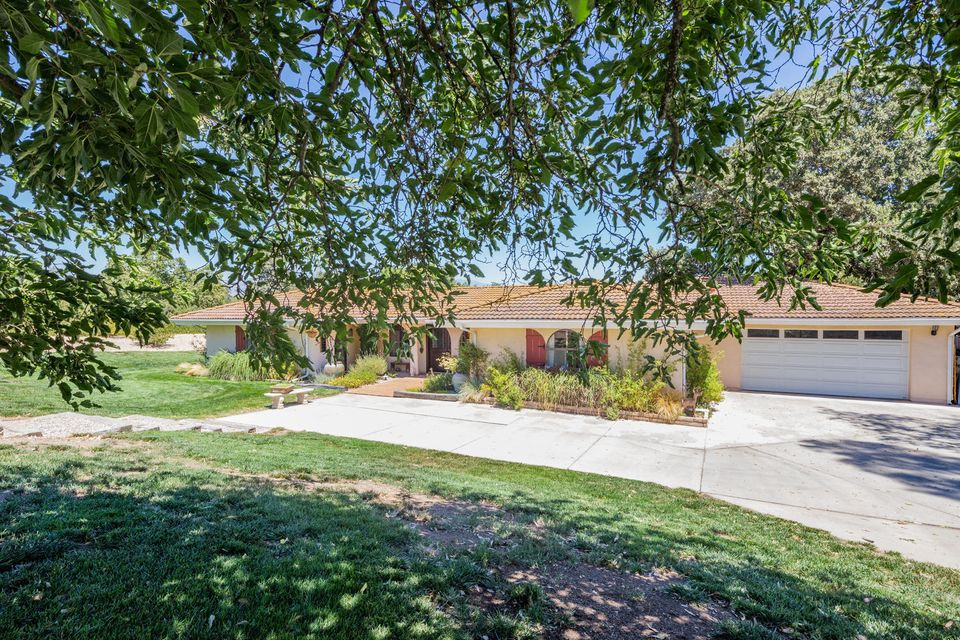 Property photo for 1440 Calzada Ave Santa Ynez, California 93460 - 17-2549