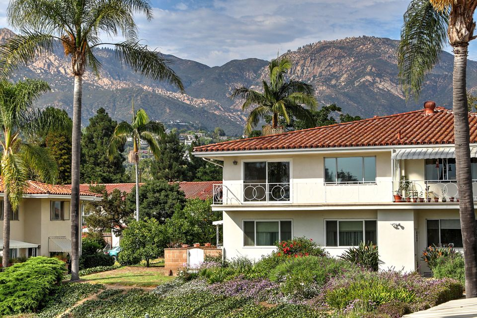 Property photo for 2627 State St #4 Santa Barbara, California 93105 - 17-2626