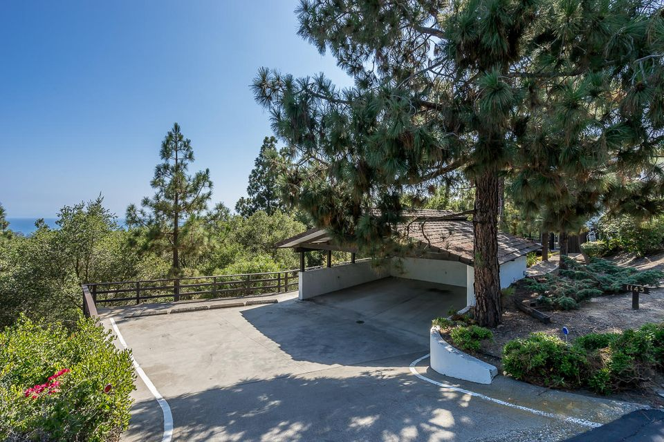 Additional photo for property listing at 1143 Glenview Rd 1143 Glenview Rd Santa Barbara, Californie,93108 États-Unis
