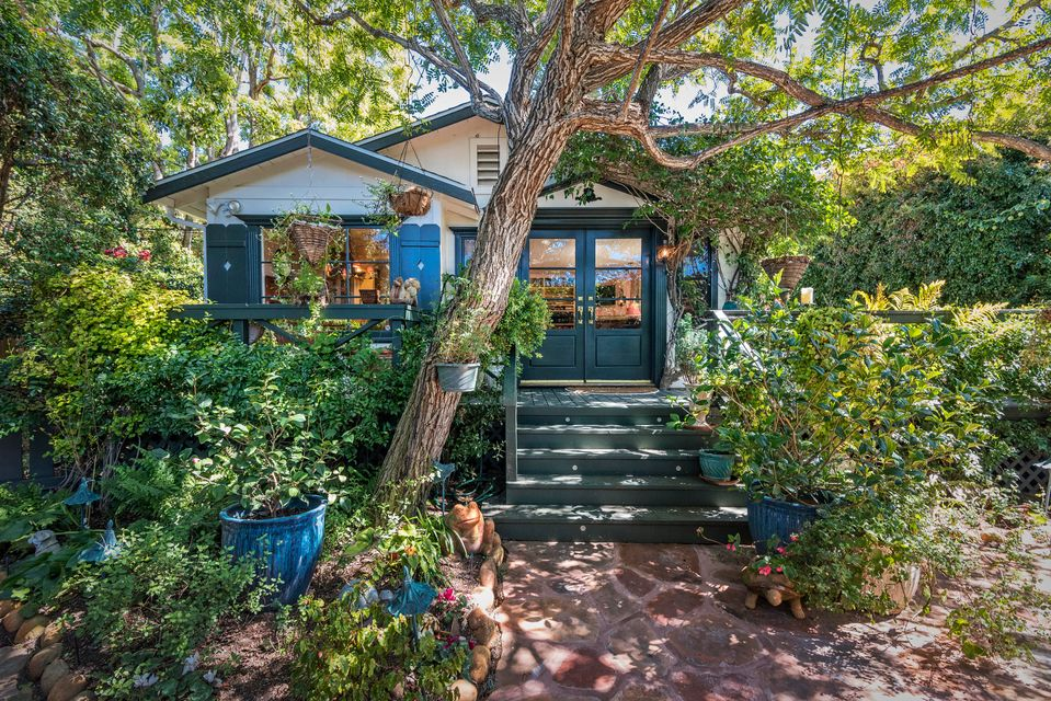 Property photo for 80 Virginia Ln Montecito, California 93108 - 17-3674