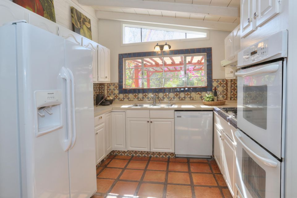 Additional photo for property listing at 489 Mountain Dr 489 Mountain Dr Santa Barbara, California,93103 Stati Uniti