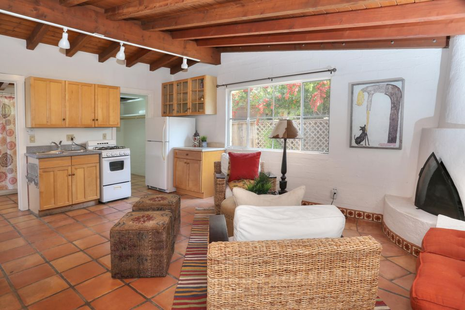 Additional photo for property listing at 489 Mountain Dr 489 Mountain Dr Santa Barbara, Califórnia,93103 Estados Unidos