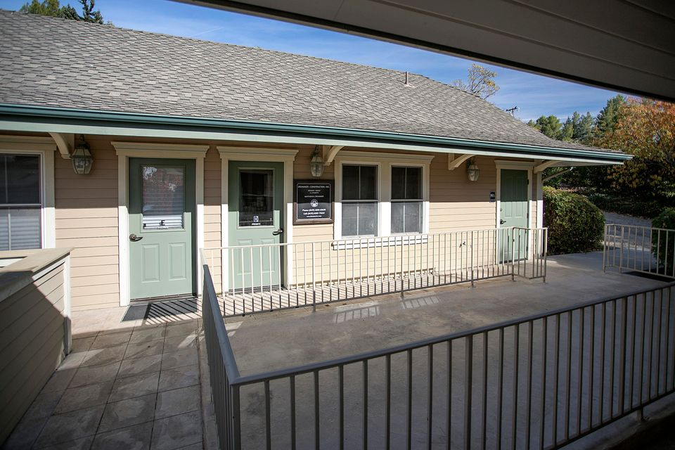 Additional photo for property listing at 2948 San Marcos Ave #101 2948 San Marcos Ave #101 Los Olivos, Californië,93441 Verenigde Staten