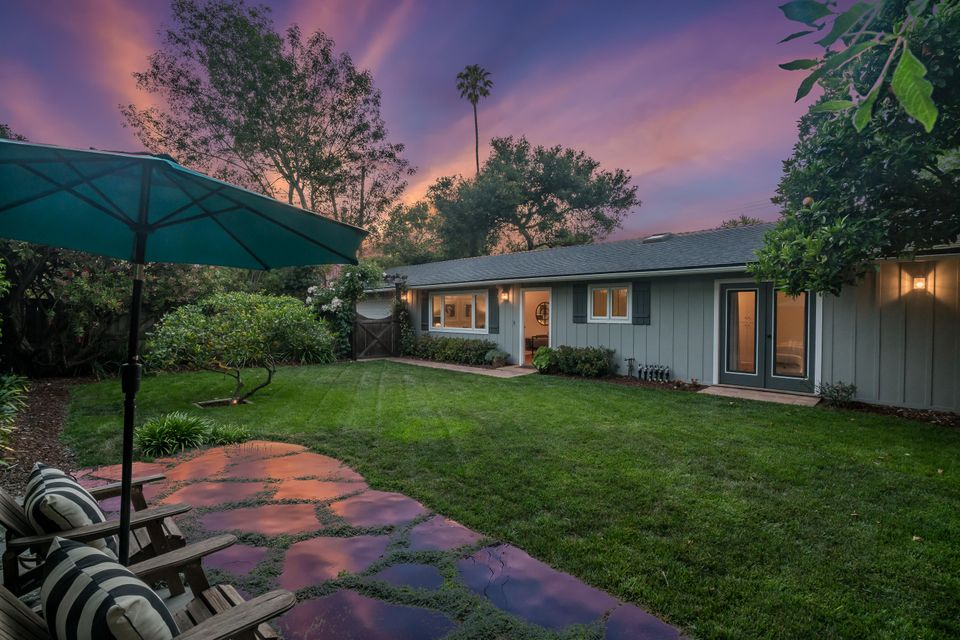 Photo of 2556 Mesa School Ln, SANTA BARBARA, CA 93109