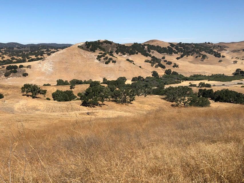 3001 Via De Los Ranchos Rd - Santa Ynez, California