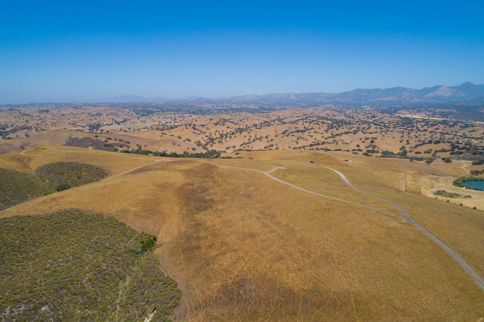 2627 Via De Los Ranchos Rd - Santa Ynez, California