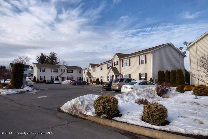 205 Elm Street,Moosic,Pennsylvania 18507,2 Bedrooms Bedrooms,5 Rooms Rooms,1 BathroomBathrooms,Residential lease,Elm,16-2361