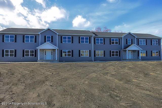 957 Ash Street,Moosic,Pennsylvania 18507,2 Bedrooms Bedrooms,4 Rooms Rooms,1 BathroomBathrooms,Residential lease,Ash,16-3520