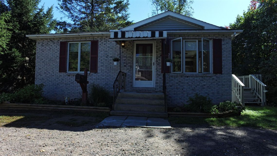 103 Drake St,Moosic,Pennsylvania 18507,2 Bedrooms Bedrooms,4 Rooms Rooms,1 BathroomBathrooms,Residential,Drake,16-4874