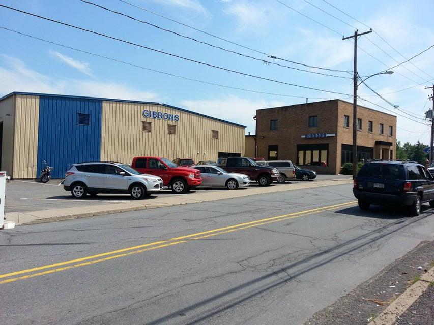 Dickson City,Pennsylvania 18519,Comm/ind lease,16-4983