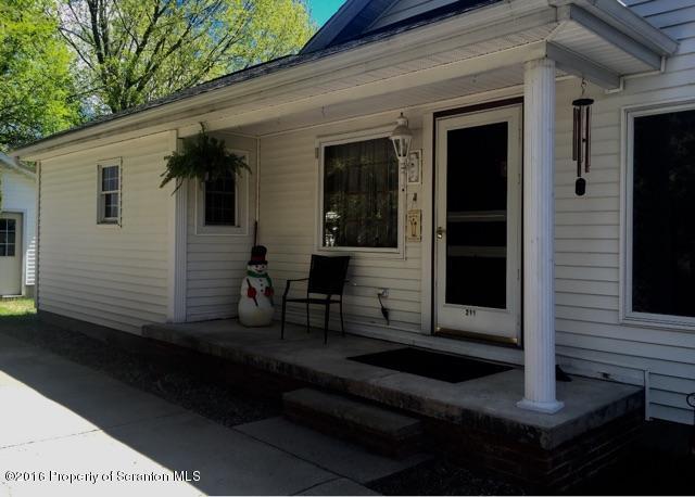 211 LANE ST,Jermyn,Pennsylvania 18433,3 Bedrooms Bedrooms,8 Rooms Rooms,3 BathroomsBathrooms,Residential lease,LANE,16-5052