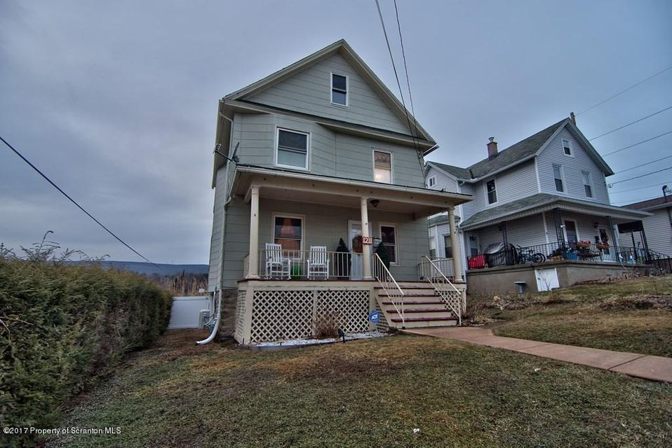 1211 Rebecca Ave,Scranton,Pennsylvania 18504,3 Bedrooms Bedrooms,6 Rooms Rooms,1 BathroomBathrooms,Residential,Rebecca,17-133