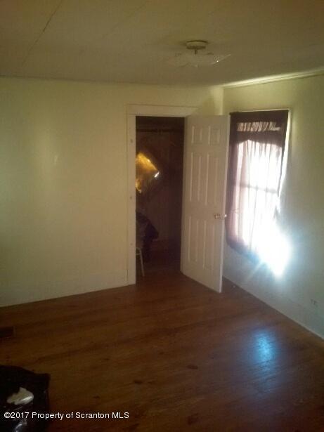 147 Gravity Lake Ariel,Pennsylvania 18436,3 Bedrooms Bedrooms,7 Rooms Rooms,2 BathroomsBathrooms,Residential,Gravity,16-2002