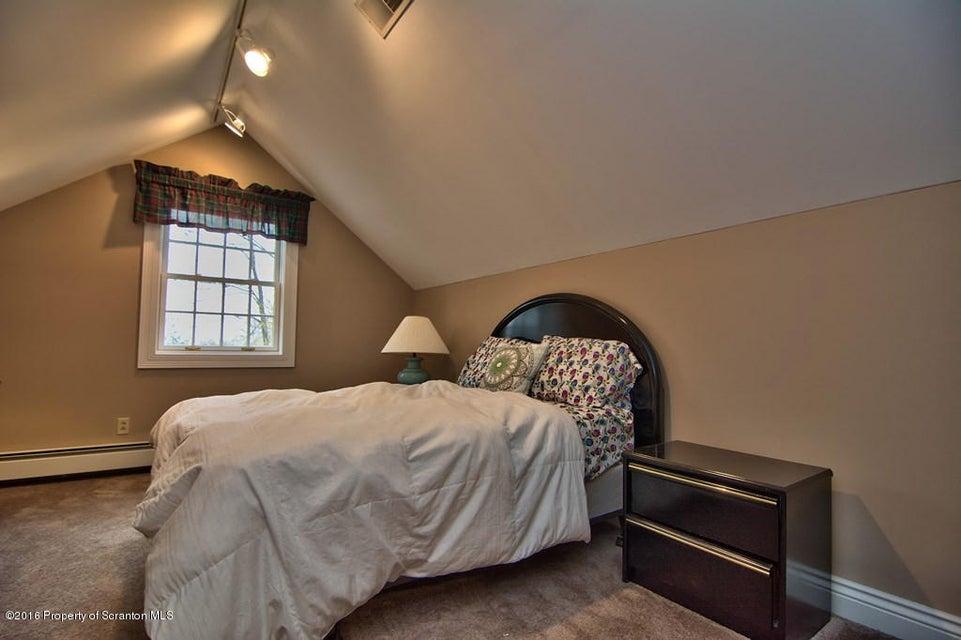 Au Pair Bedroom