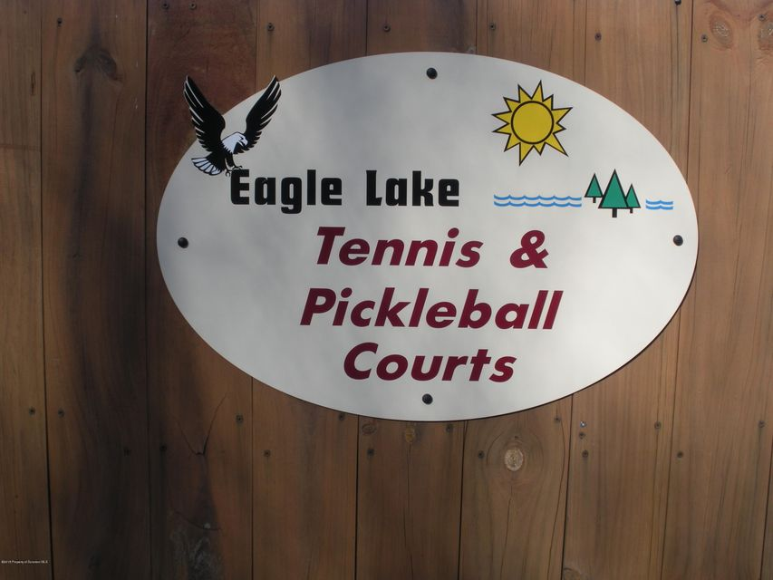 Tennis & Pickleball Courts