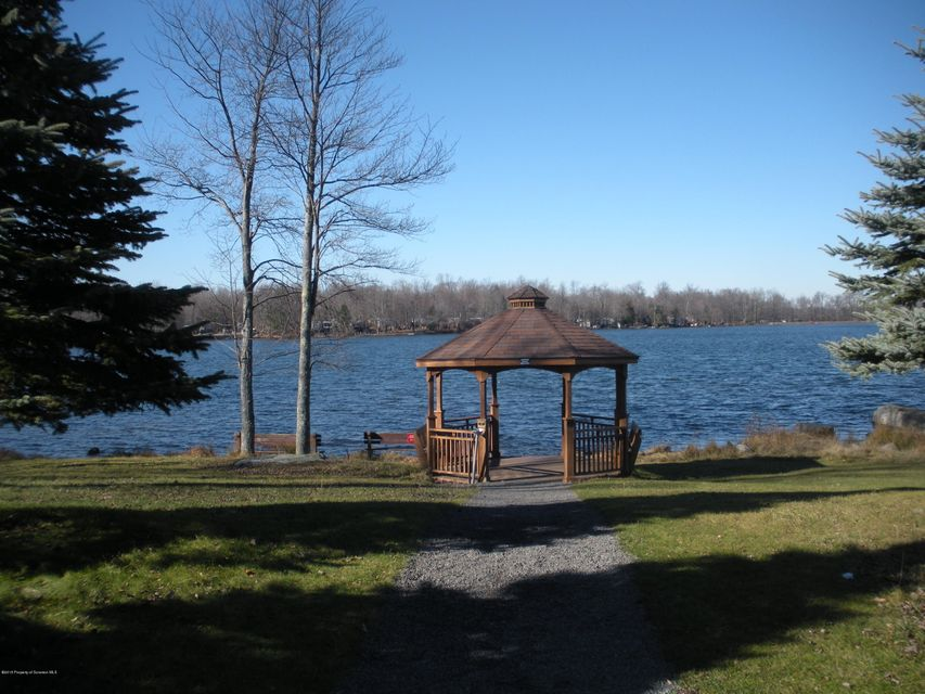 Gazebo at Lakeside Park