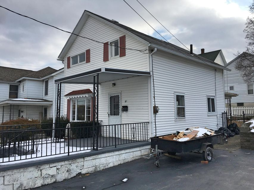 61 OAK Pittston,Pennsylvania 18640,3 Bedrooms Bedrooms,6 Rooms Rooms,1 BathroomBathrooms,Residential lease,OAK,17-700