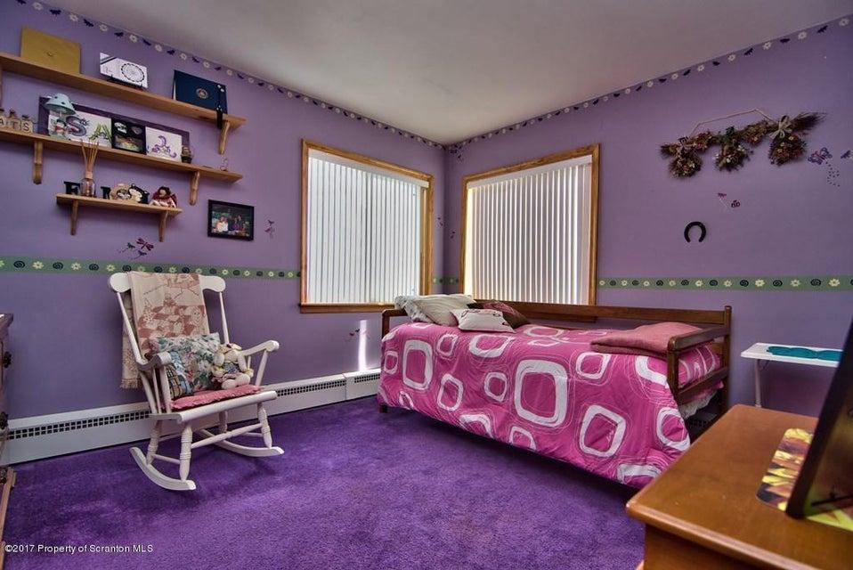 150 Dawes Kingston,Pennsylvania 18704,3 Bedrooms Bedrooms,8 Rooms Rooms,1 BathroomBathrooms,Residential,Dawes,17-864