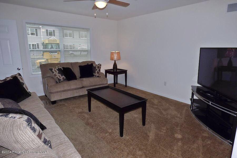 905 Ash Street,Moosic,Pennsylvania 18507,2 Bedrooms Bedrooms,4 Rooms Rooms,1 BathroomBathrooms,Residential lease,Ash,17-901