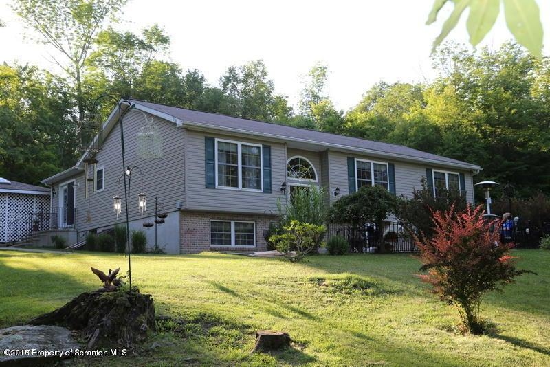 663 Cameron Hill Nicholson,Pennsylvania 18446,2 Bedrooms Bedrooms,8 Rooms Rooms,2 BathroomsBathrooms,Residential,Cameron Hill,17-999